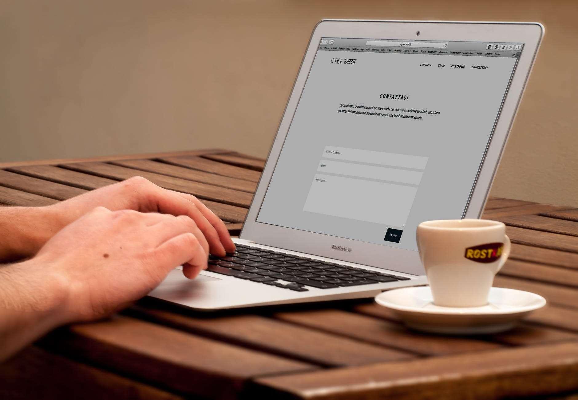 Registro de domínio: aprenda o passo a passo e sua importância